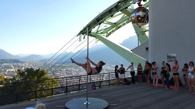 Un an de pole dance