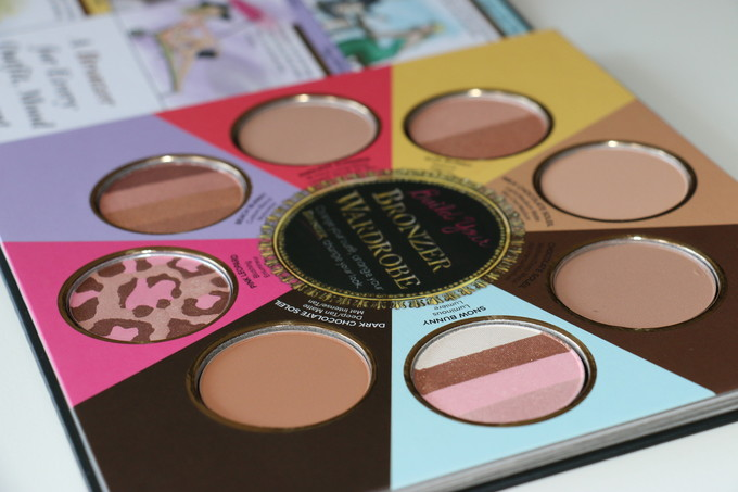 The little black book of bronzer - Too Faced !